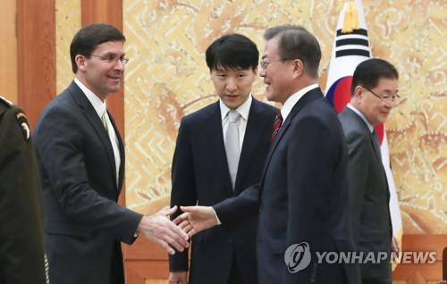 文在寅表示韓日難以互換軍事情報