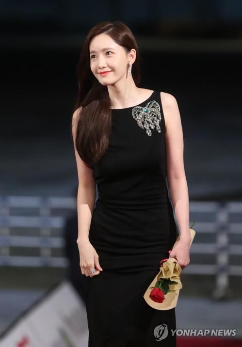 第40屆南韓電影青龍獎頒獎禮紅毯