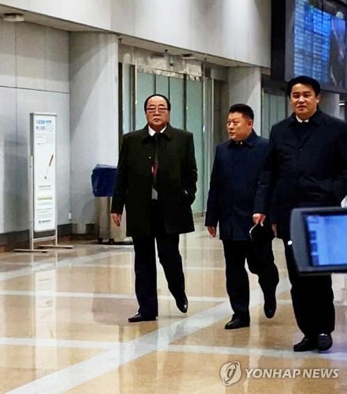 朝鮮對外經濟相現身北京機場
