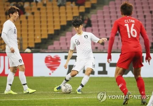 東亞杯南韓男足首戰2比0戰勝香港