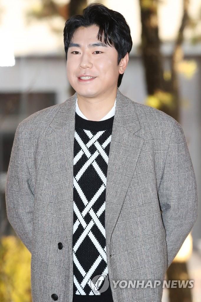 演員李施彥
