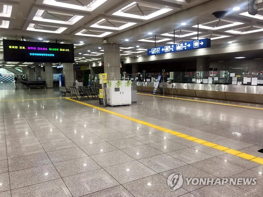 仁川港國際客運站冷清無人