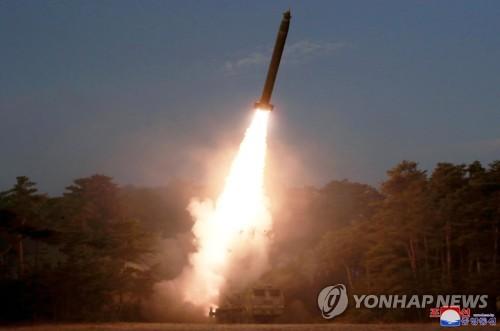 朝媒:金正恩指導前線炮兵部隊火力打擊訓練