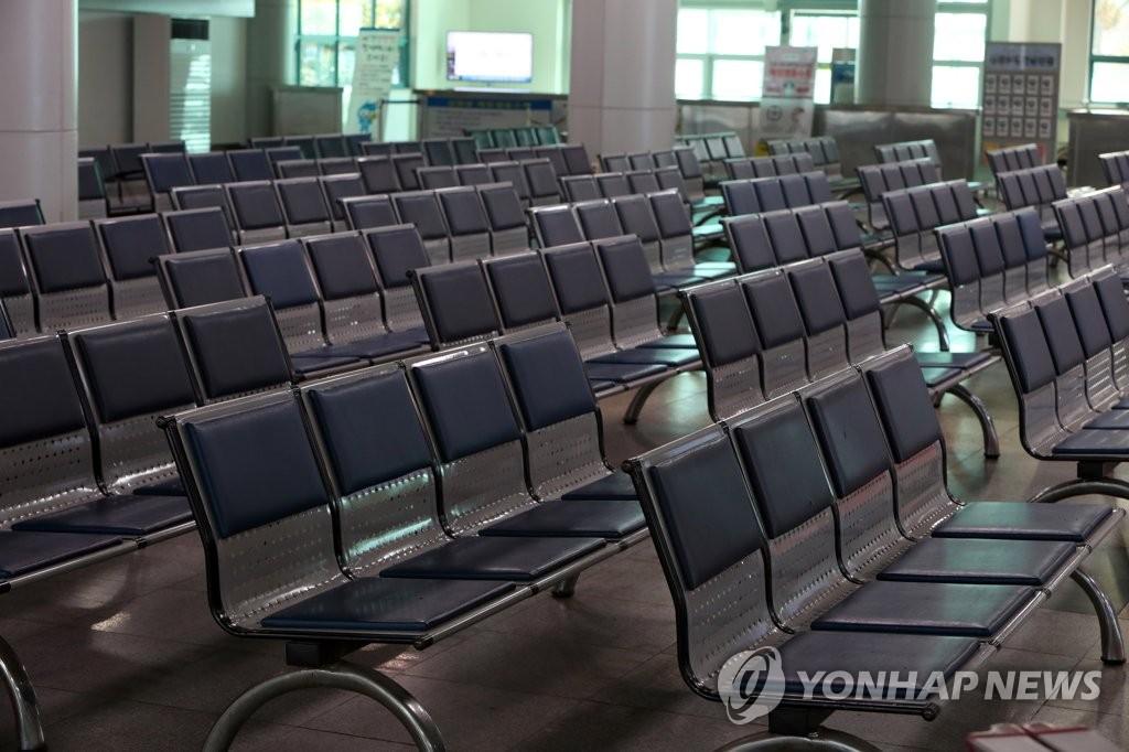 3月11日下午,在全羅南道木浦港,客運碼頭空空蕩蕩。 韓聯社
