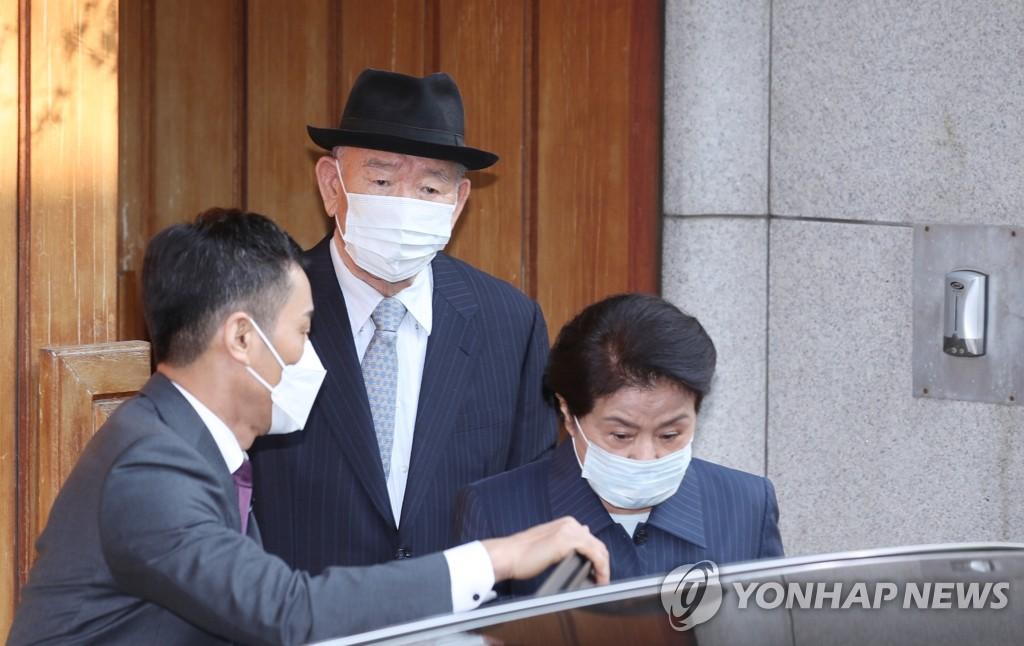 韓前總統全鬥煥今就損害民運參加者名譽案出庭受審