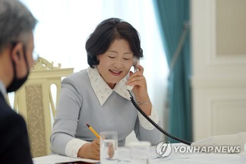 韓第一夫人與比利時王后通電話
