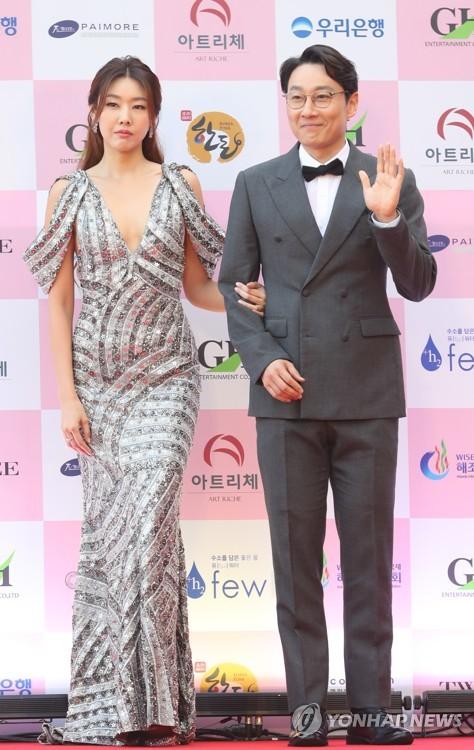 韓惠珍和李輝才