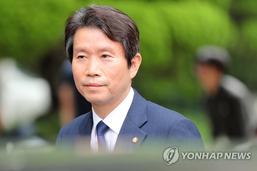 資料圖片:南韓統一部長官被提名人李仁榮 韓聯社