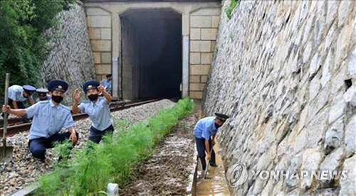 朝鮮經濟面臨疫情暴雨制裁三重考驗