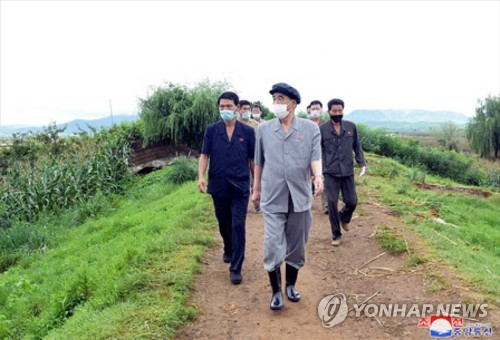 朝鮮高官視察災區