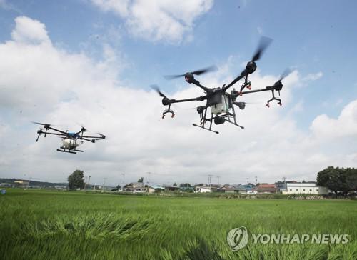 用無人機噴農藥
