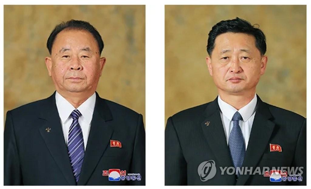 資料圖片:李炳哲(左)、金德訓(右) 韓聯社/朝中社(圖片僅限南韓國內使用,嚴禁轉載複製)