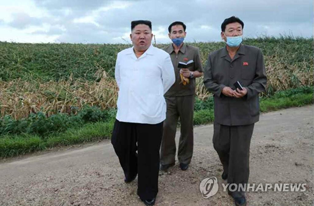 朝媒:金正恩視察黃海南道颱風災區