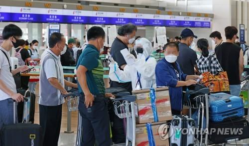 自韓赴華乘客11日起登機前須接受兩次核酸檢測