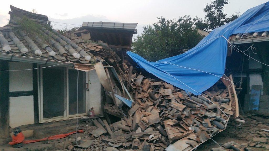 9月7日,在全羅南道昌寧市,一幢民宅受颱風影響倒塌。 韓聯社/全羅南道靈光郡供圖(圖片嚴禁轉載複製)