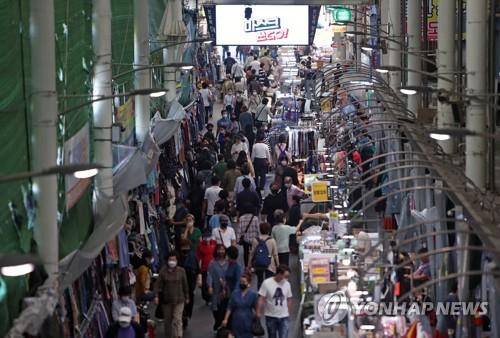 韓政府擬向千萬人發放消費券促內需