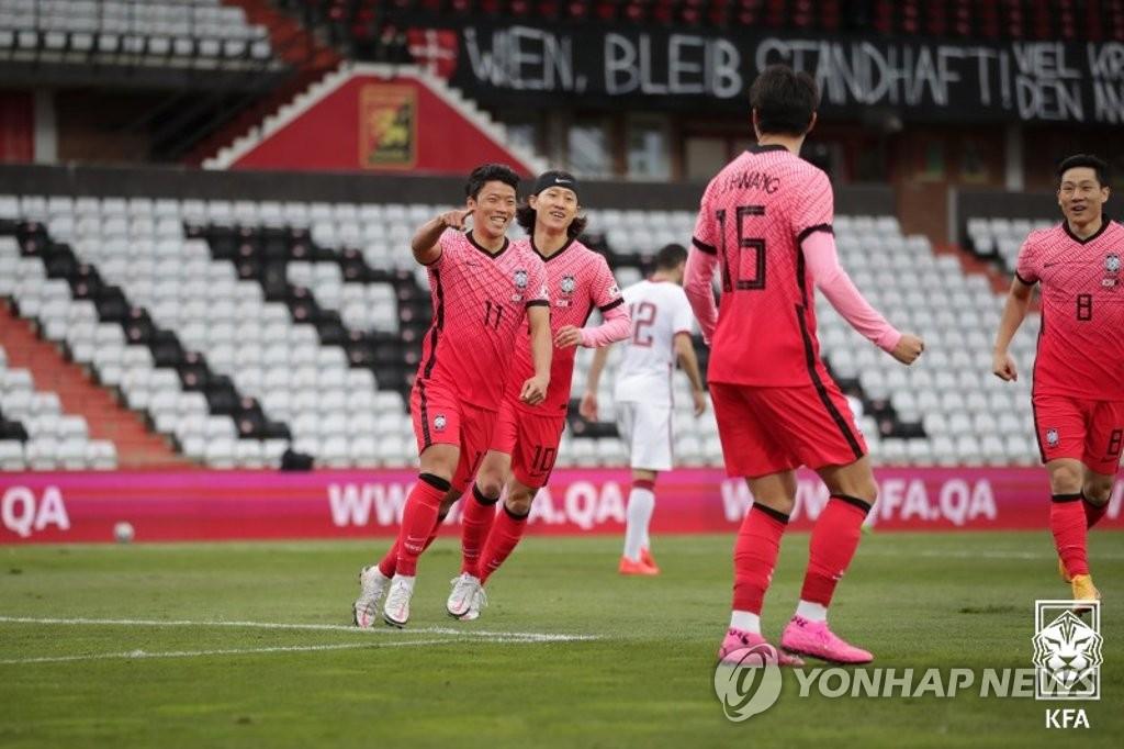 南韓國足熱身賽2比1勝卡達