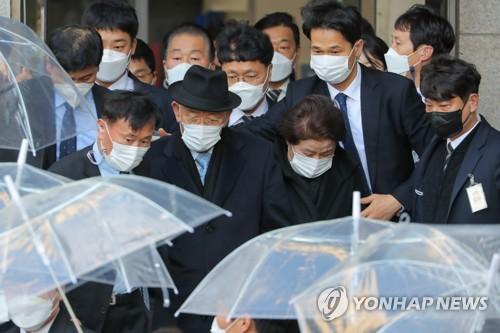 韓前總統全鬥煥再缺席毀譽案二審庭審