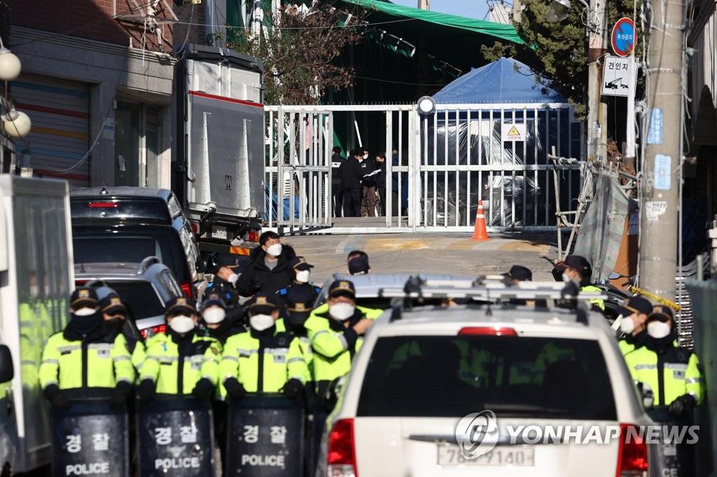 韓警方搜查暴力抗拆教會