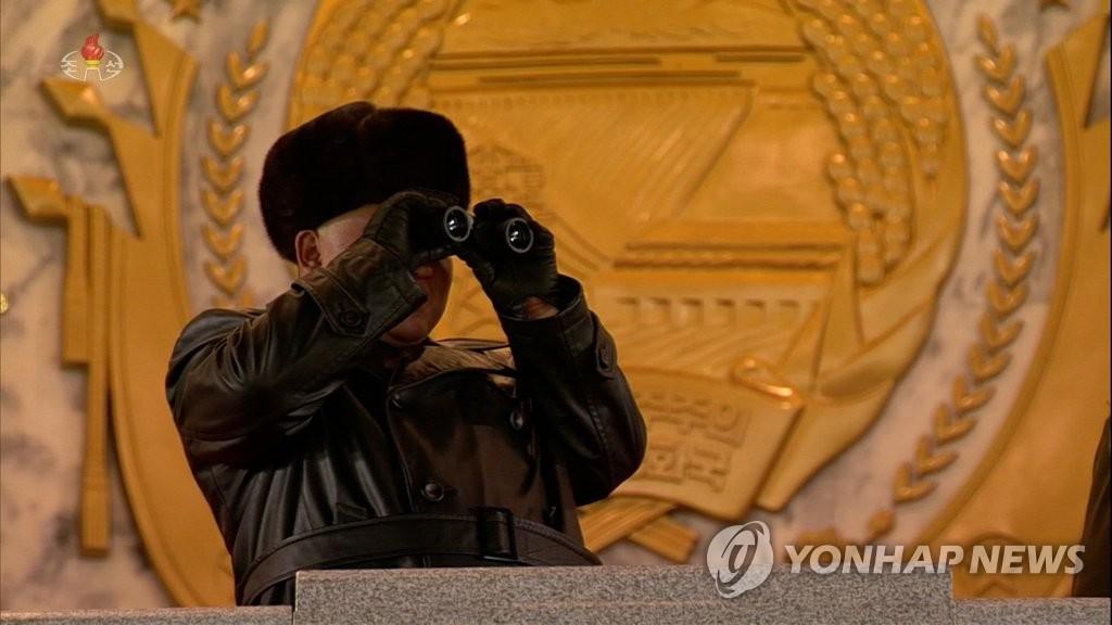 朝鮮央視錄播紀念勞動黨八大閱兵式