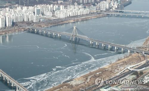 漢江江面結冰