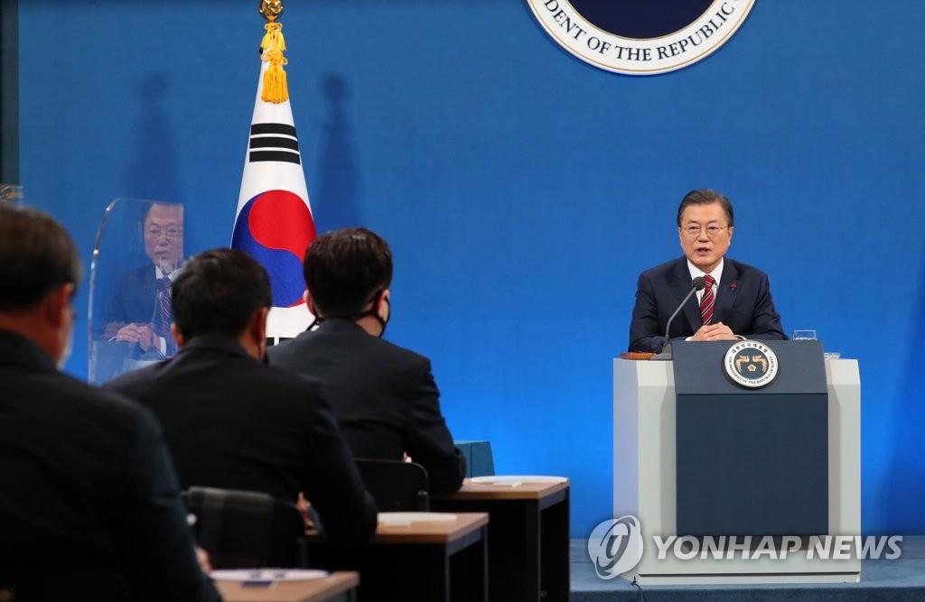 文在寅:南韓最遲將在11月實現群體免疫