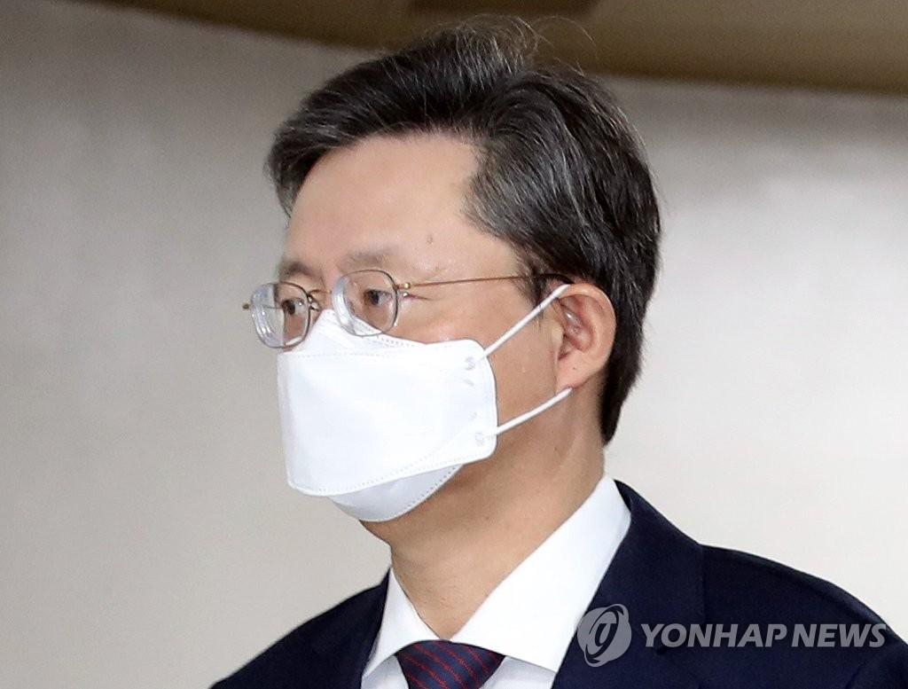 韓青瓦臺前民政首秘禹柄宇二審獲刑1年