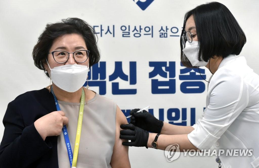 南韓醫務人員今起接種第一劑輝瑞疫苗