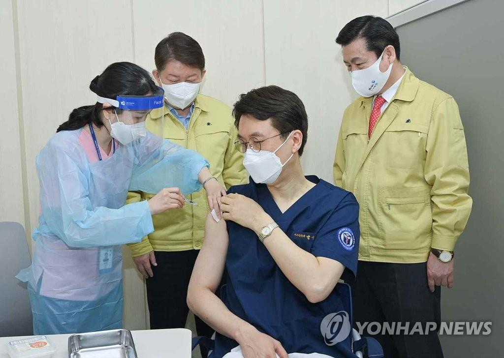 接種輝瑞疫苗