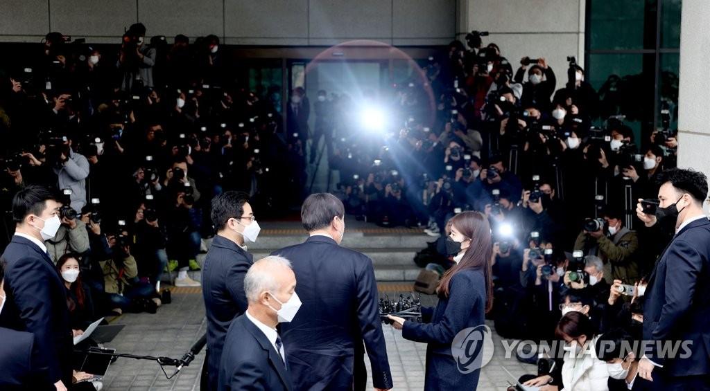 3月4日下午,在首爾市瑞草區的大檢察廳,尹錫悅表明辭意。 韓聯社