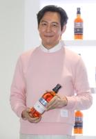 李政宰代言百齡壇威士忌