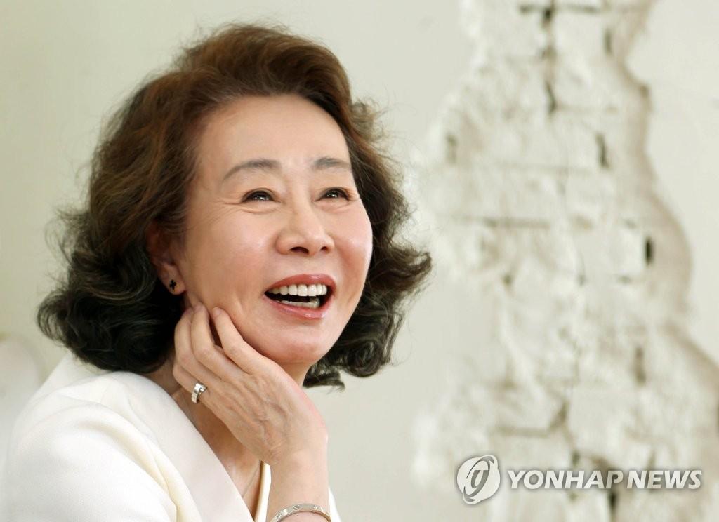 簡訊:尹汝貞獲美國演員工會獎最佳女配角獎