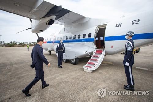 韓外長鄭義溶今與中國外長王毅舉行會談