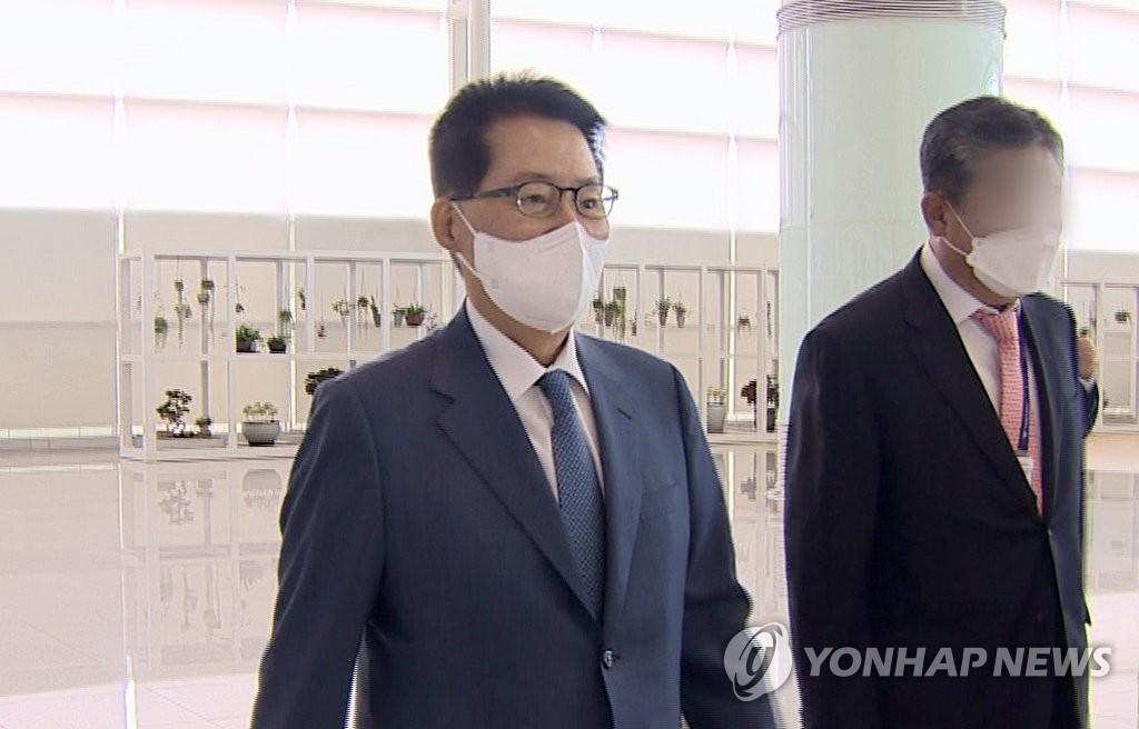 詳訊:韓情報首長在東京拜會日本首相菅義偉