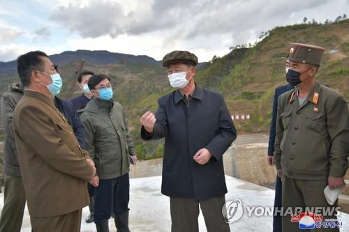 朝鮮內閣總理視察東部地區