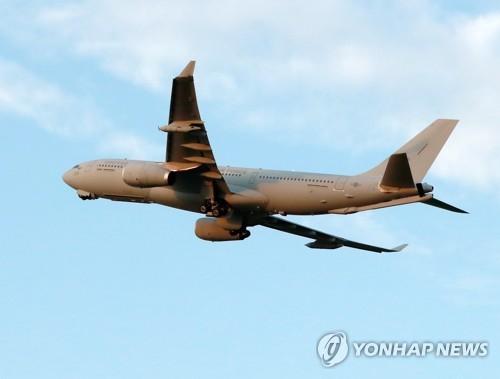 韓軍機啟程赴美將運回100萬人份新冠疫苗