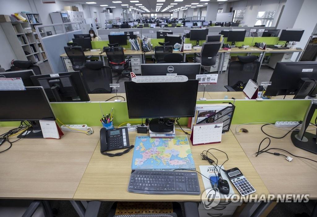 旅行社空蕩蕩的辦公室,圖片攝于6月9日。 韓聯社