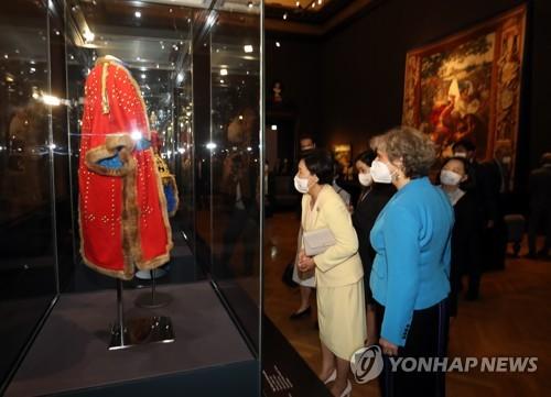 金正淑參觀維也納藝術史博物館
