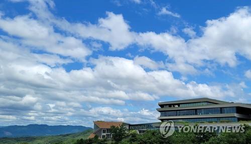 藍天白雲美如畫