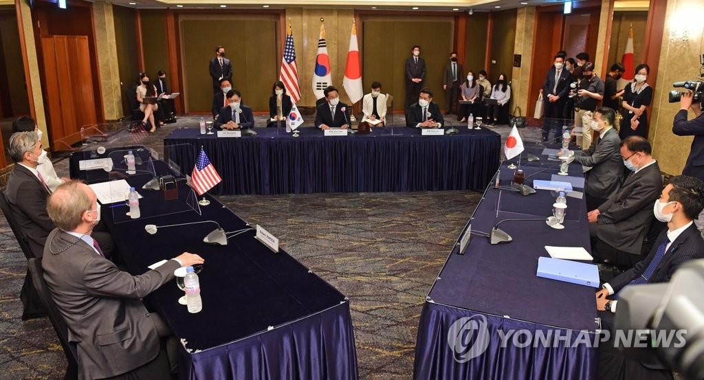 6月21日,韓美日對朝首席代表會議在位於首爾市中區的樂天酒店舉行。 韓聯社/聯合攝影記者團