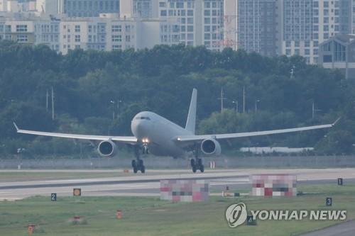 詳訊:韓軍機接回駐亞丁灣集體感染新冠海軍