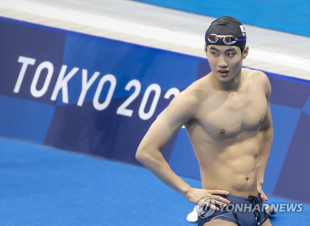 7月30日,在在東京水上運動中心,黃宣優為男子50米自由泳分組預賽做準備。 韓聯社
