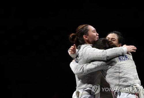 南韓女佩團體晉級四強