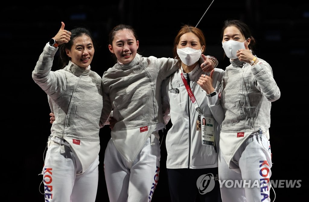 7月31日,在東京奧運會擊劍女子佩劍團體銅牌爭奪戰賽中,南韓隊戰勝義大利隊獲得銅牌,書寫歷史。 韓聯社