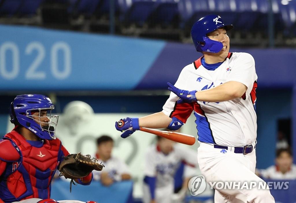 南韓棒球隊以4比3擊敗多明尼加
