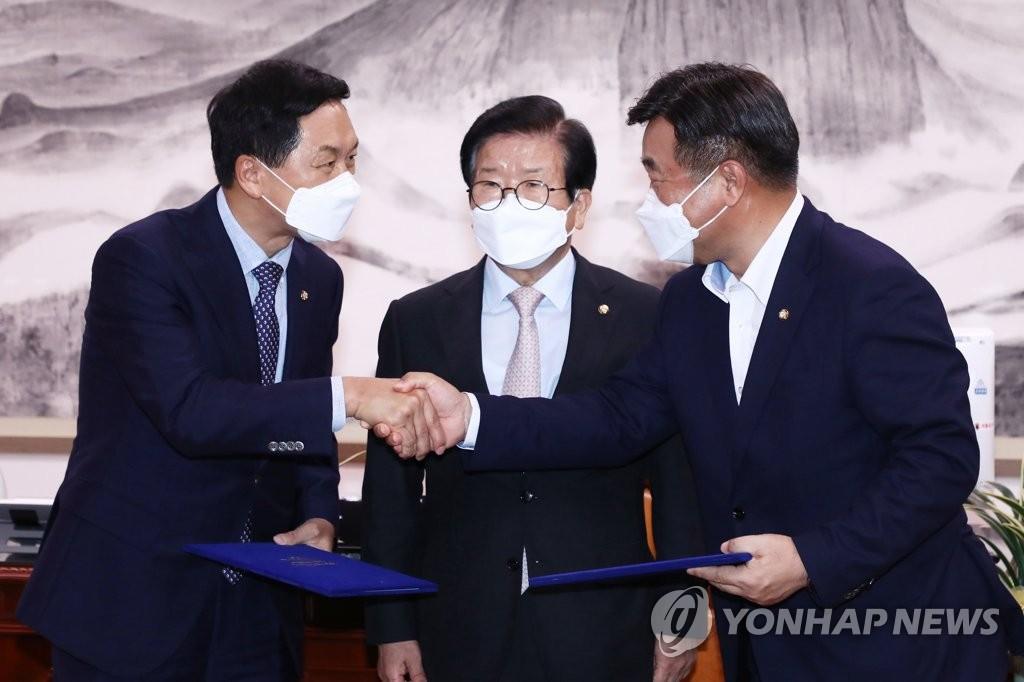 南韓朝野商定延至下月處理媒體仲裁法案