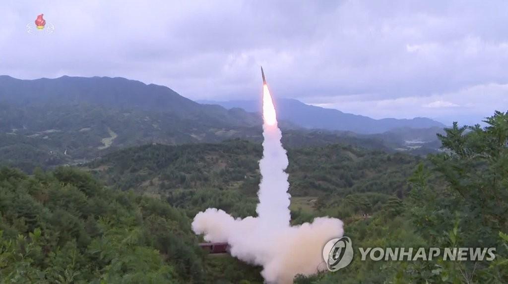 朝鮮從火車上發射彈