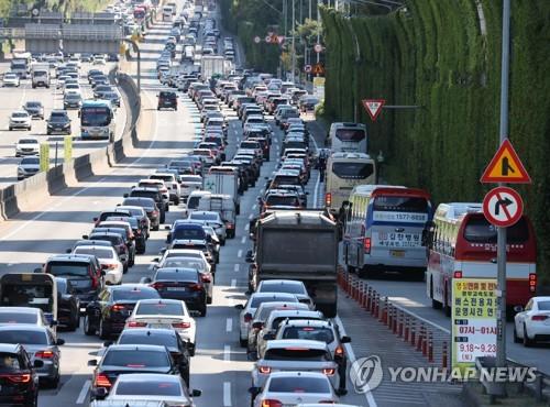 韓中秋返鄉潮致公路擁堵 最晚10時緩解