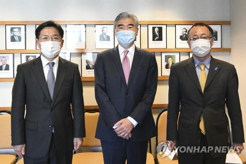 韓美日對朝代表舉行會談
