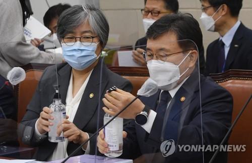 韓保健部長官:考慮11月1日起分步恢復日常生活